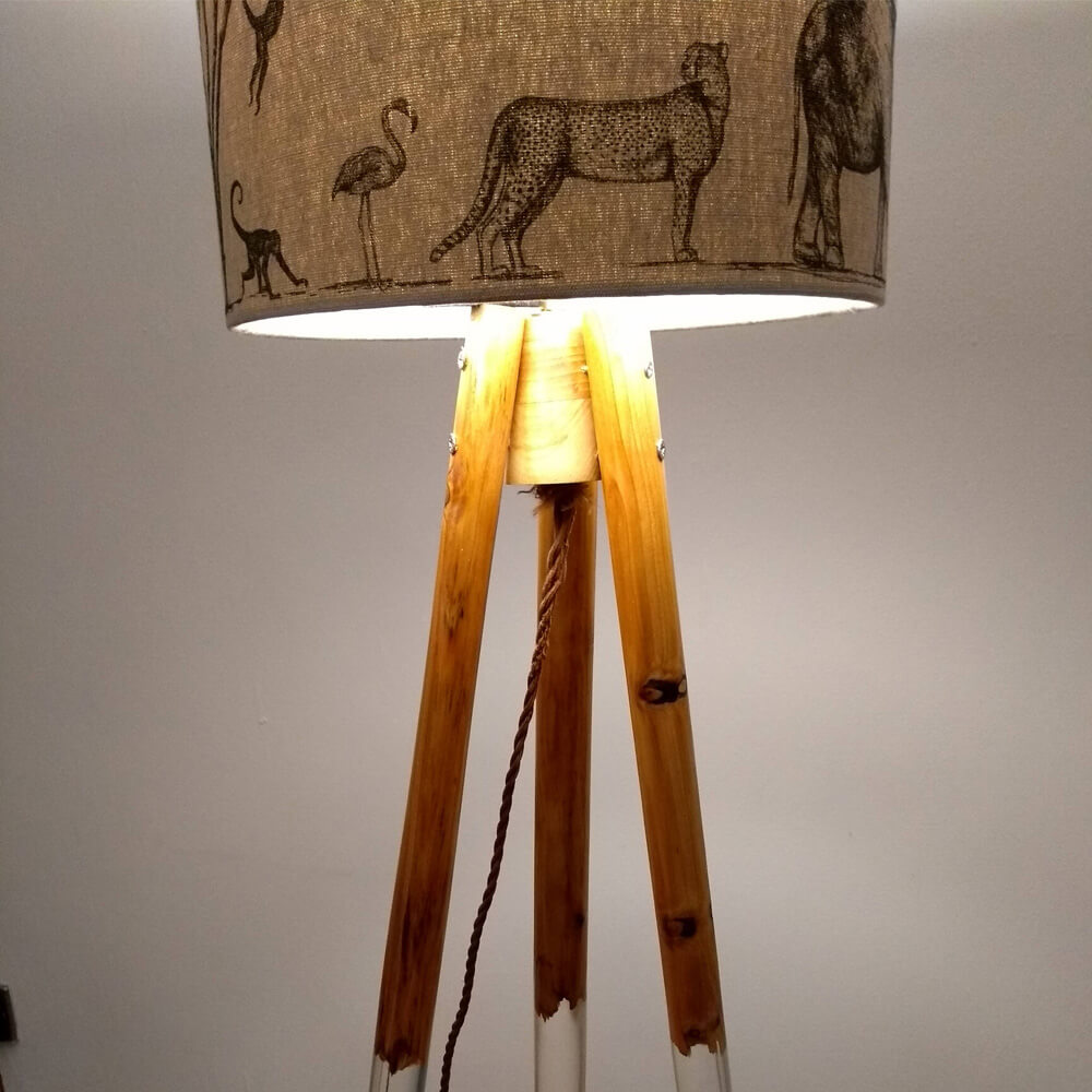floating style freestanding lamp